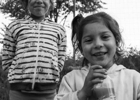 Roma girls Curtea d'Arges Romania