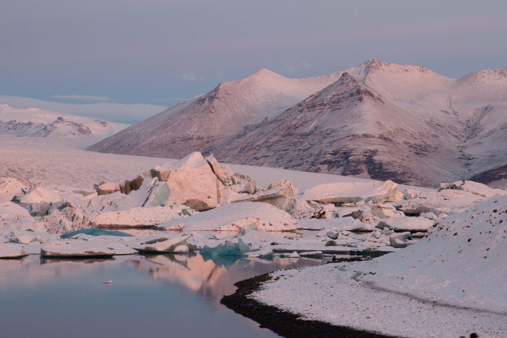 7638 Dawn at Jökulsárlón glacier lagoon, Iceland