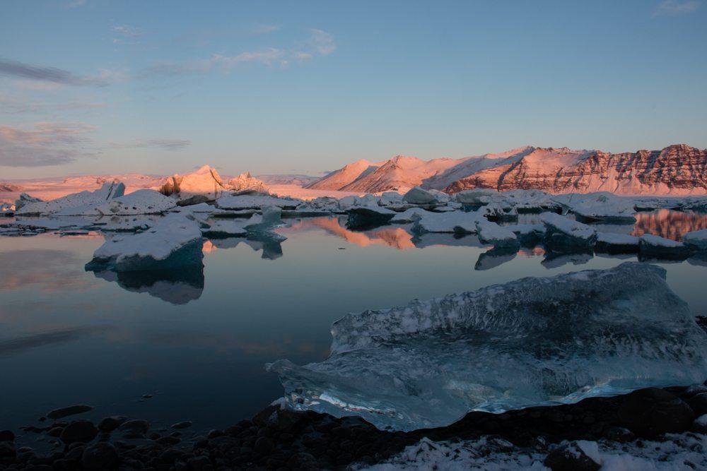 7825 Dawn at Jökulsárlón glacier lagoon, Iceland