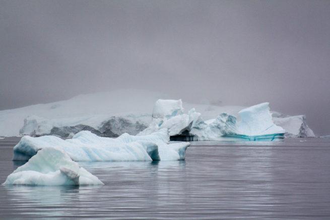 7990 Iceberg, Qeqertaq & Savigssuaq, Upernaviks Isfjord, Greenland.jpg